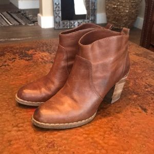 {Michael Kors} Camel Leather Booties. Size 7.5.